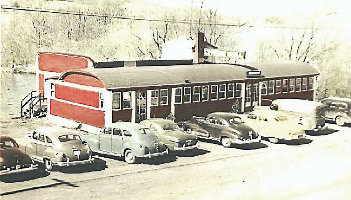 The Cypress Grill in 1941, when a new tap room and dining room were added to the restaurant.
