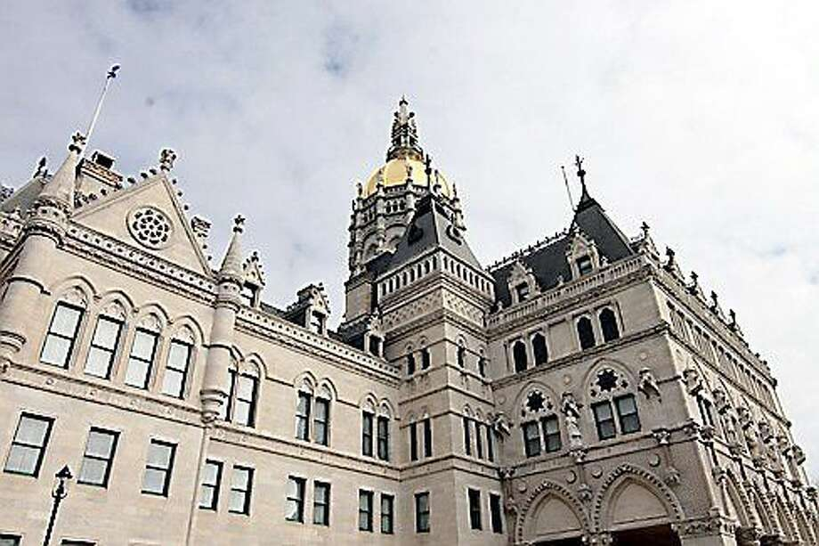 Christine Stewart/ctnewsjunkie.com The Capitol Building in Hartford. Photo: Journal Register Co.