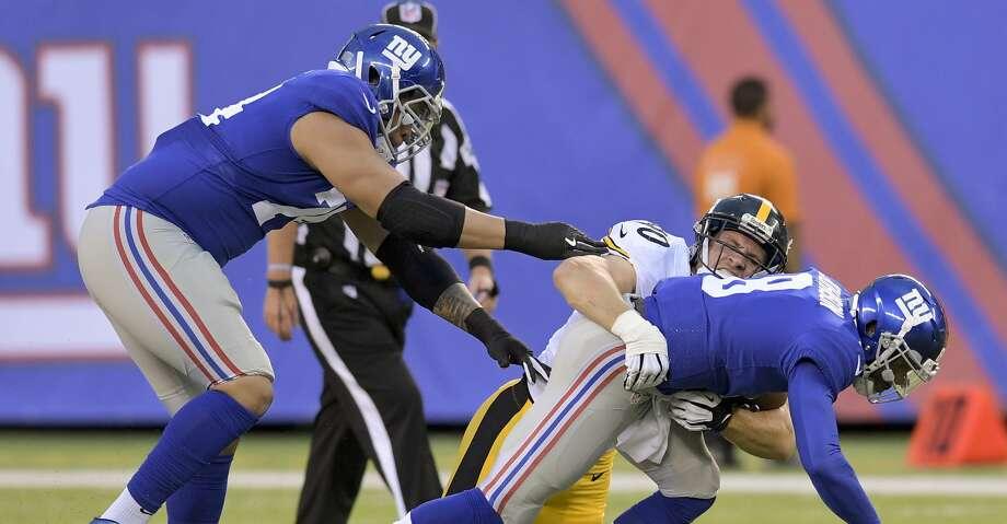 T.J. Watt dazzled in his NFL preseason debut with the Pittsburgh Steelers. Photo: Bill Kostroun/Associated Press