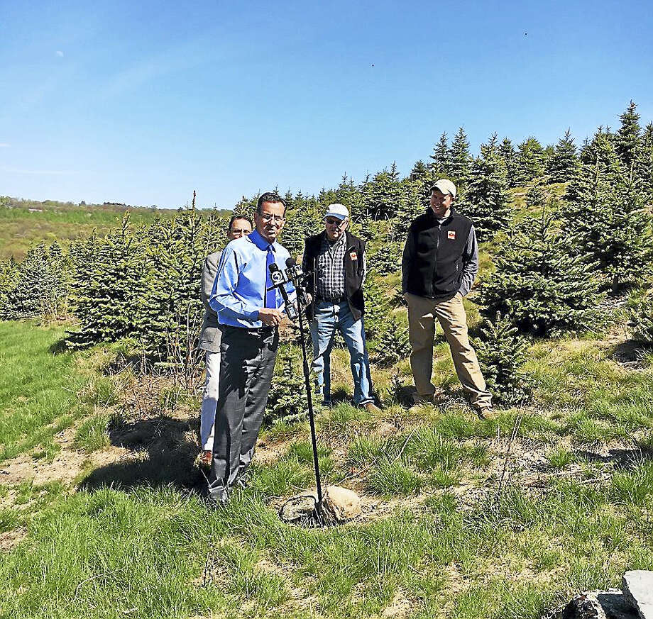 Gov. Dannel P. Malloy recently visits Jones Winery in Shelton. Photo: Photo Courtesy Of The Governor's Office