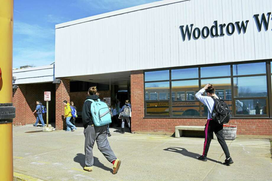 Woodrow Wilson Middle School seventh- and eighth-graders leave classes at the end of the day earlier this week in Middletown. Photo: Cassandra Day — The Middletown Press