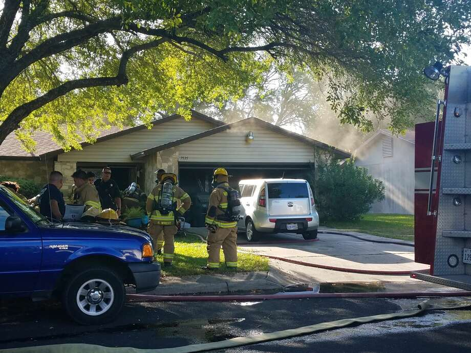 A 4-year-old child who had been playing with a lighter had to be rescued from a burning home in the 7500 block of Monte Cristo Friday Aug. 11, 2017, firefighters said. Photo: Sergio Martínez-Beltrán