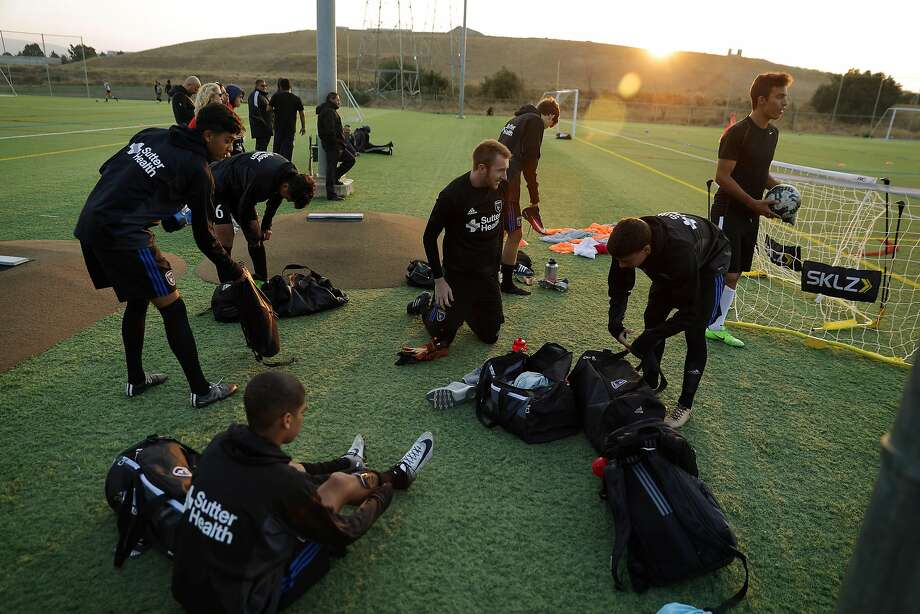 Boys with the U-19 group get ready for practice during San Jose Earthquakes Academy practice in Sunnyvale, Calif., on Wednesday, August 9, 2017. The San Jose Earthquakes have built one of the most successful academy programs and while the  senior team isn't very good, the future of the Earthquakes - and hopefully American soccer - is promising thanks to the infrastructure that MLS is supporting. during San Jose Earthquakes Academy practice in Sunnyvale, Calif., on Wednesday, August 9, 2017. The San Jose Earthquakes have built one of the most successful academy programs and while the  senior team isn't very good, the future of the Earthquakes - and hopefully American soccer - is promising thanks to the infrastructure that MLS is supporting. Photo: Carlos Avila Gonzalez, The Chronicle