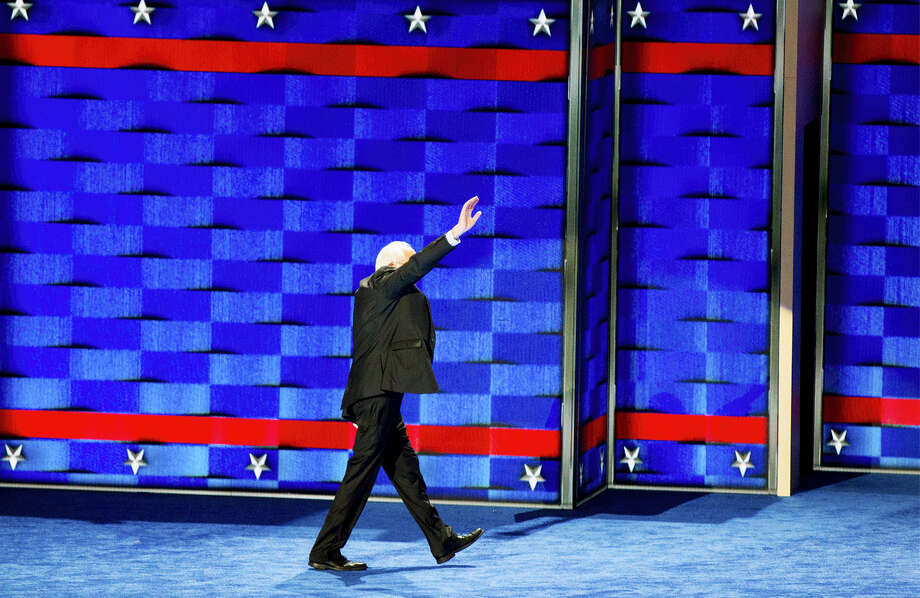 Former Democratic presidential candidate, Sen. Bernie Sanders, I-Vt., waves as he leaves the stage during the first day of the Democratic National Convention in Philadelphia, Monday, July 25, 2016. Photo: Sean Simmers/PennLive.com Via AP   / PennLive.com