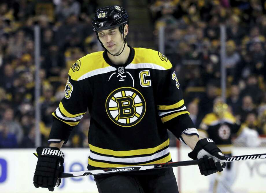 Boston Bruins defenseman Zdeno Chara reacts during the second period against the St. Louis Blues Tuesday. Photo: The Associated Press  / AP