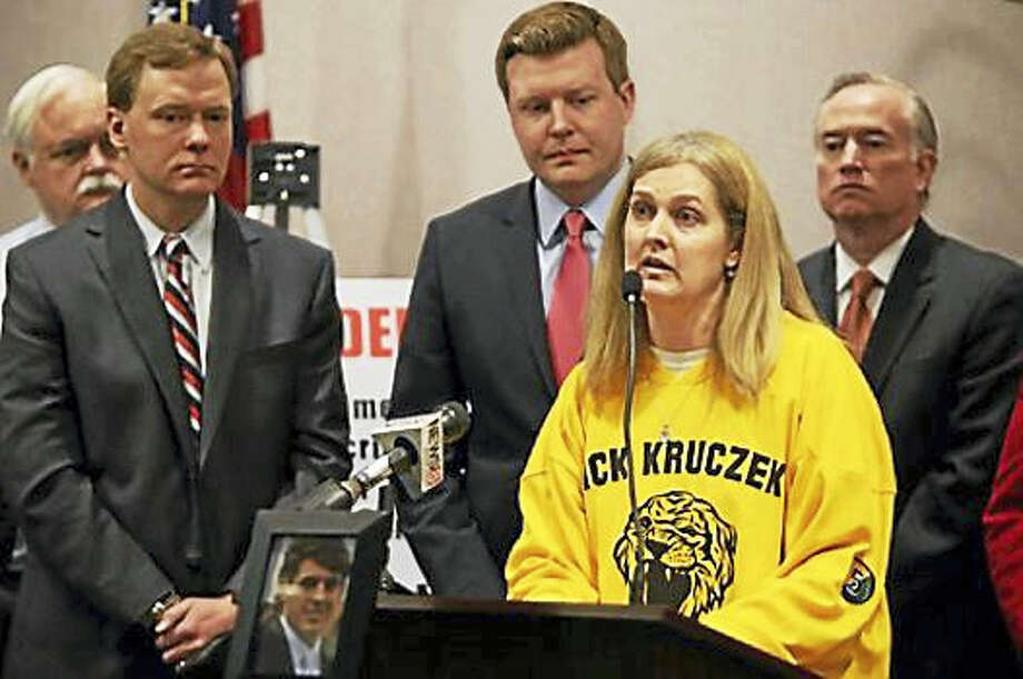 Guilford parent Sue Kruczek talks about her son Nick's addiction to pain killers at a press conference Monday, March 21, 2016. Photo: CHRISTINE STUART PHOTO — CTNJ