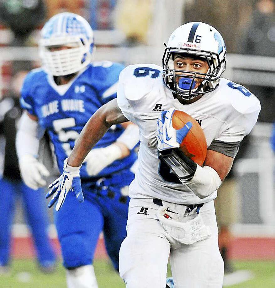 Former Middletown junior quarterback Dario Highsmith will be returning to town to play at Wesleyan Photo: Middletown Press File Photo / TheMiddletownPress