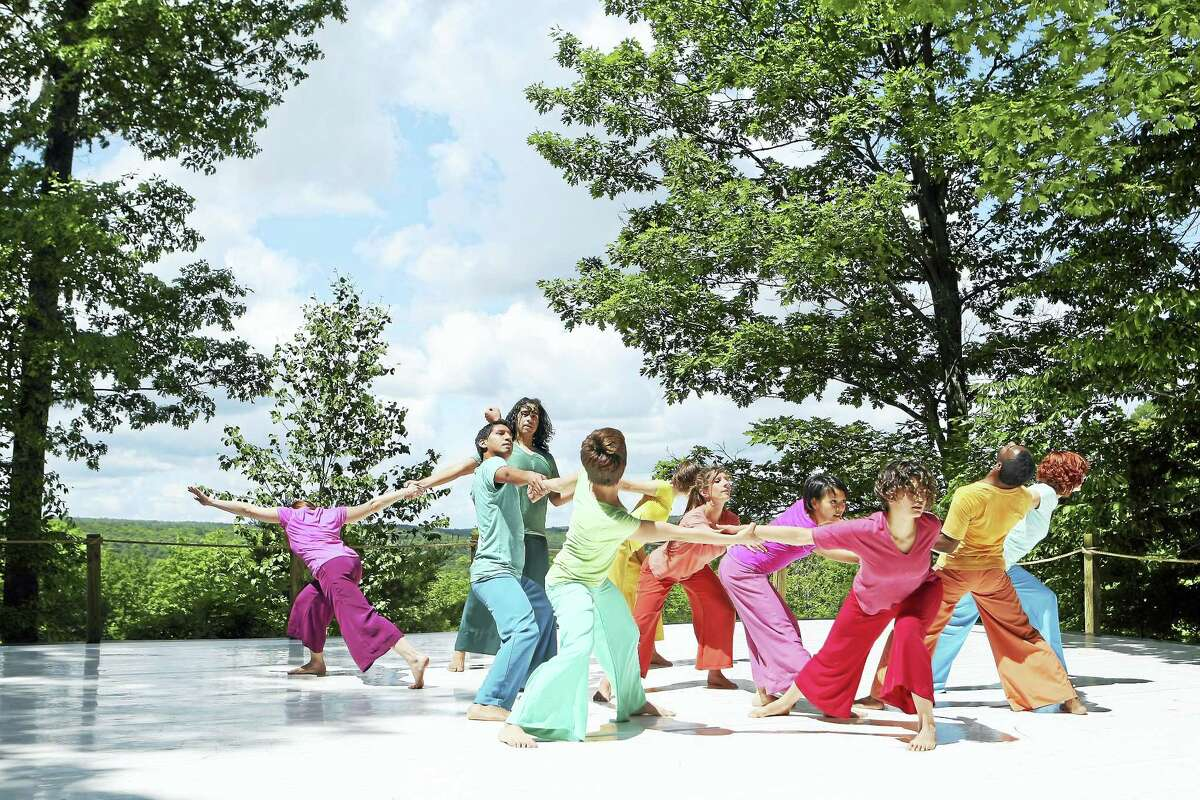 Suchu Dance performs as part of the free at Jacob's Pillow Inside/Out performance series in 2008.