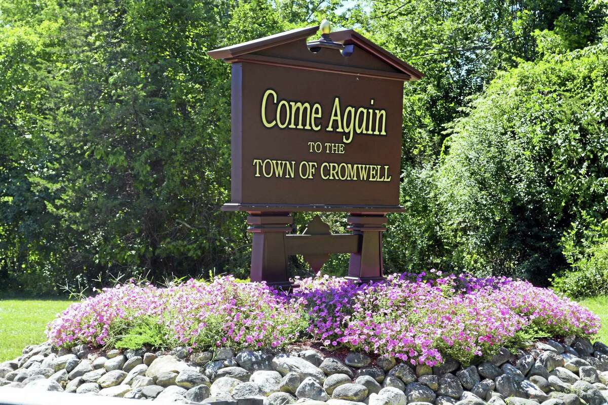 Cromwell sign