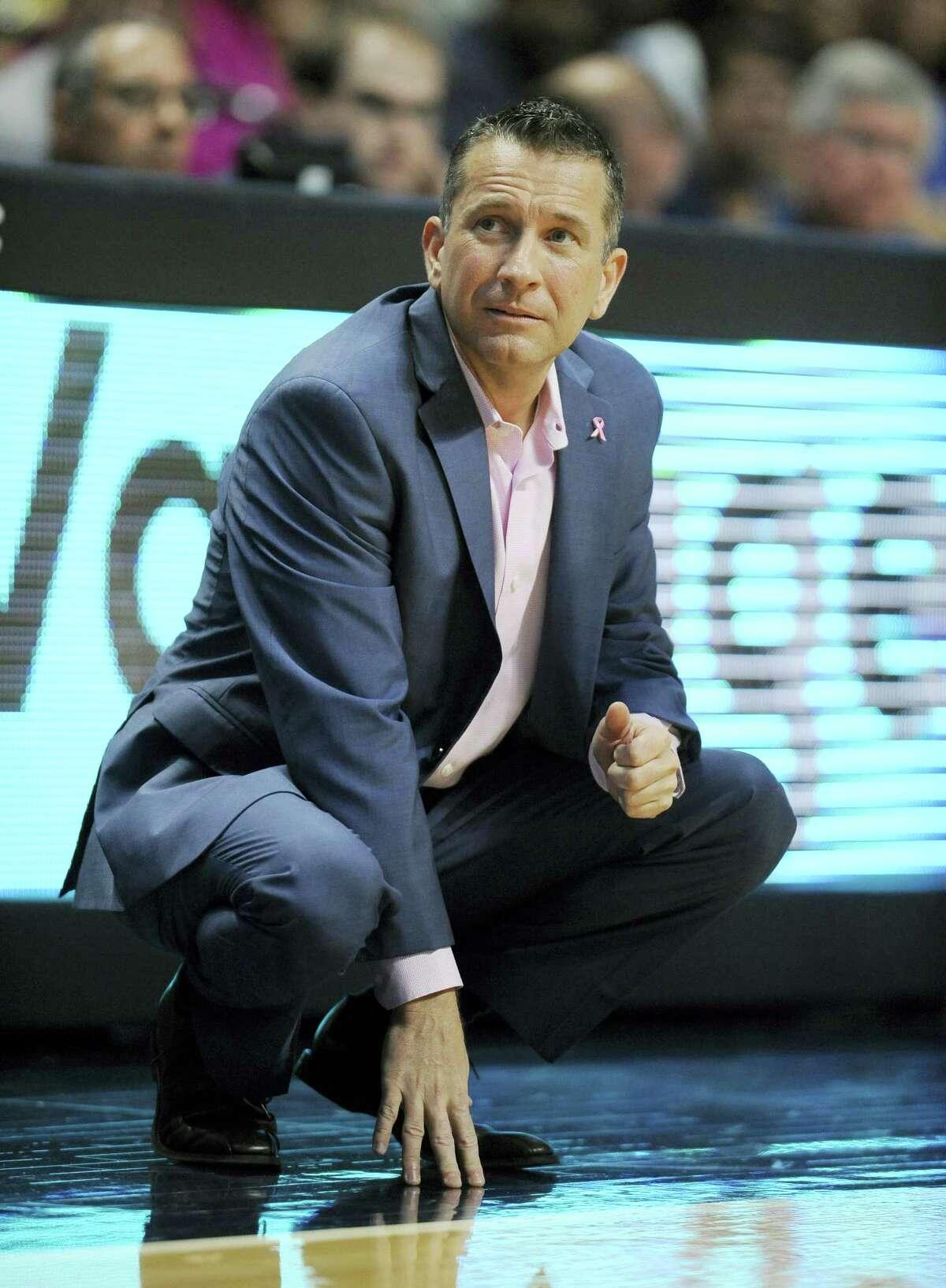 Connecticut Sun head coach Curt Miller.