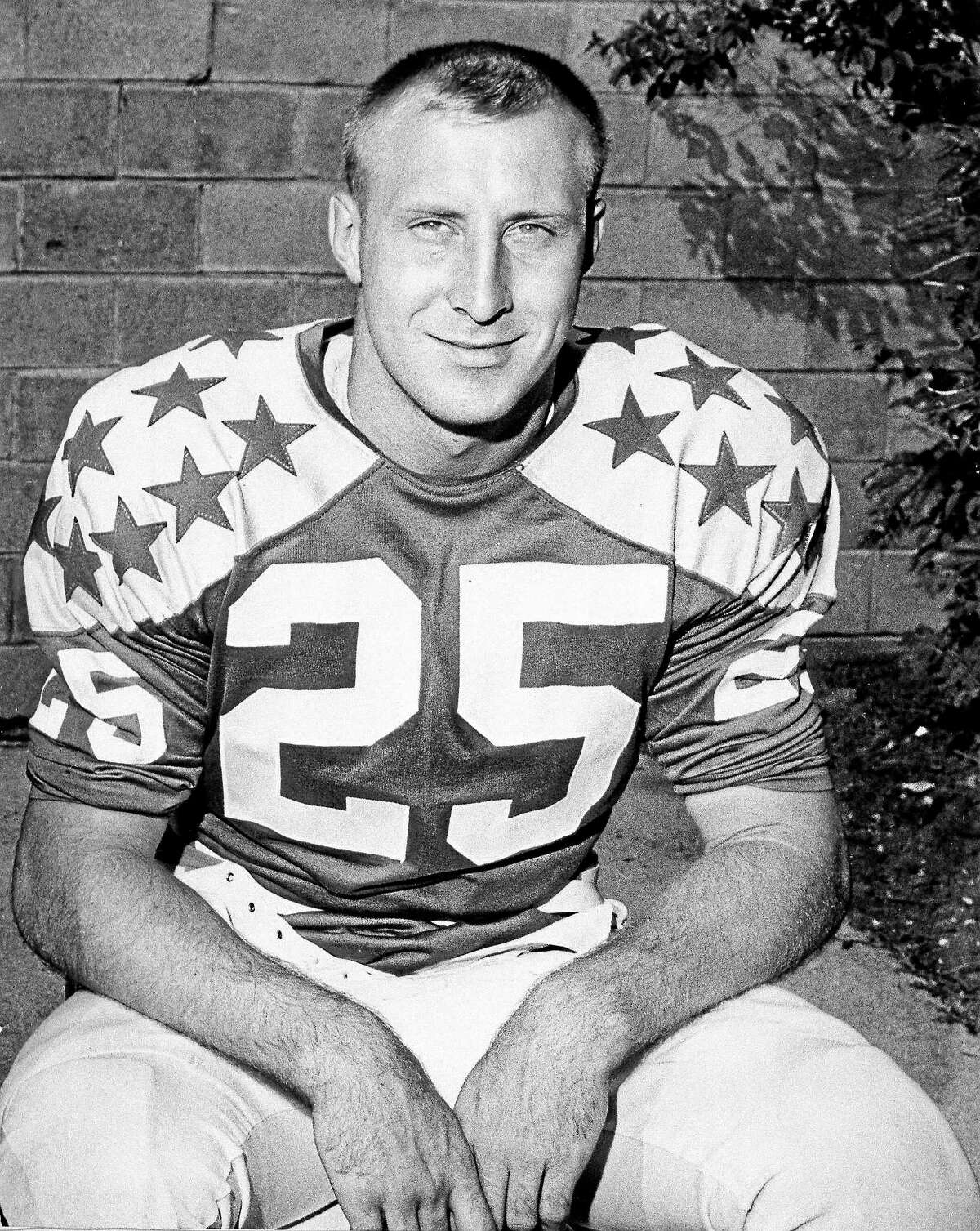 Fred Biletnikoff prior to playing with the College All-Stars in 1965,