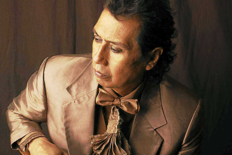 Alejandro Escovedo Photo: Photo Courtesy Of Todd Wolfson  / Copyright: Todd V. Wolfson