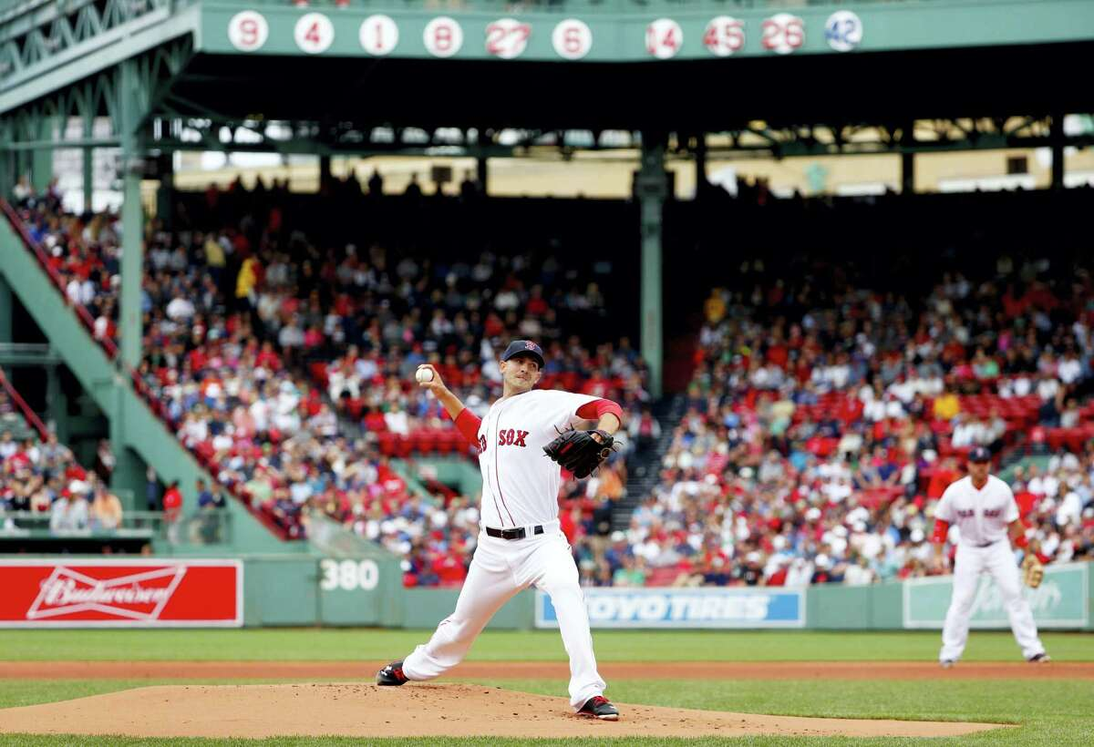 Rick Porcello delivers against the Rays during the first inning on Saturday.