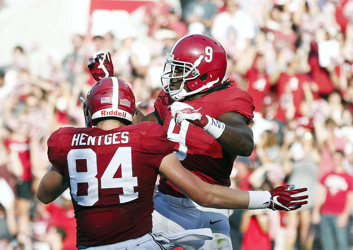 Alabama remained No. 1 in the latest AP Top 25 poll.