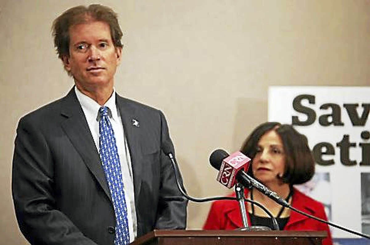 Sen. L. Scott Frantz and Sen. Toni Boucher pitch a public retirement alternative.