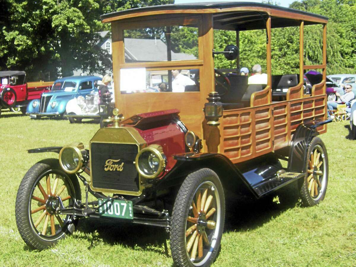 """The Deep River Fire Department will be holding its 3rd annual Antique Automobile Extravaganza and Flea Market, Sunday, September 11, 2016, at Devitt's Field, Deep River, Ct. The show will run from 9:00 a.m. until 2:00 p.m.. The Automotive Extravaganza will feature cars, fire trucks, bikes and tractors. Categories start with pre-1920 and encompass increments of every ten years, per class, up to 2016. People's choice awards in each category, as well as the Atwood Auto Award for """"Best in Show"""". Admission is $5.00 at the gate and $10.00 per vehicle. Food and drinks will be available at the field Proceeds to benefit Deep River Fire Department related projects. Please consider coming out to support the Deep River Volunteer Fire Department's fund raiser and enjoy the remarkable automotive history, kept alive by the wonderful people who exhibit their beautiful automotive artifacts."""