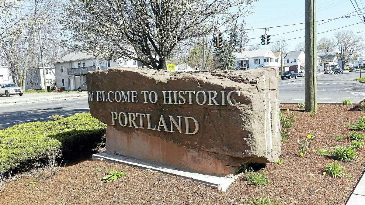 Cassandra Day - The Middletown Press Portland Main Street sign logo