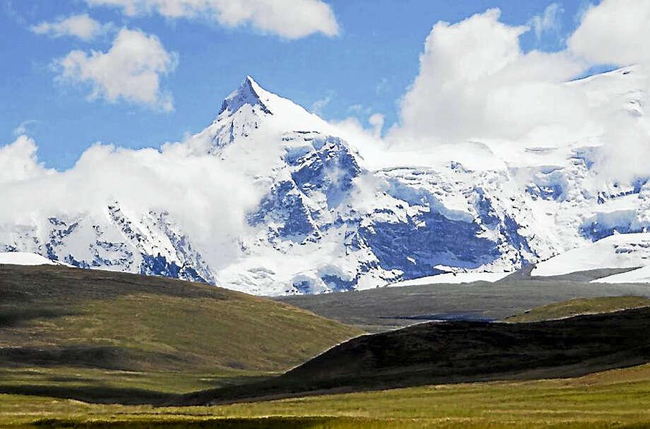 Mount Shishapangma (Screenshot via washingtonpost.com) Photo: Journal Register Co.
