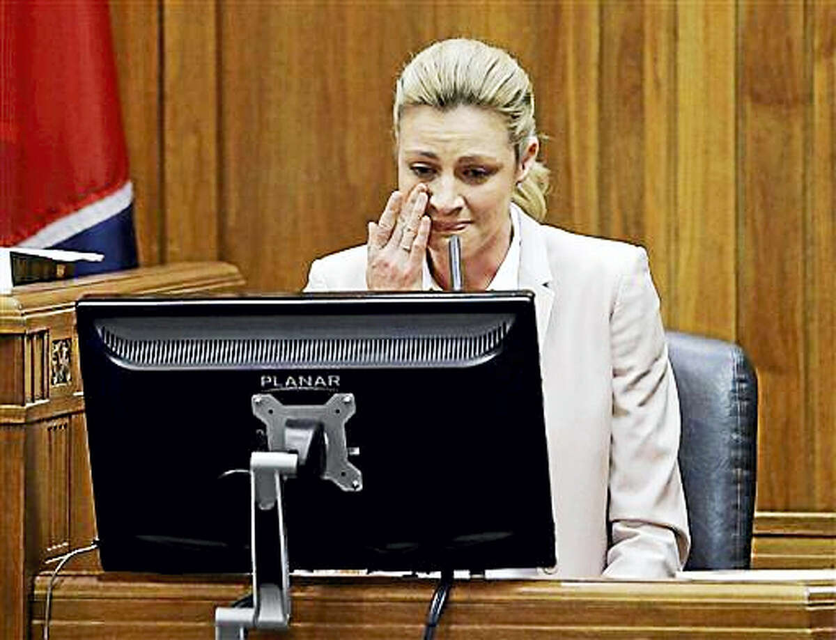 Sportscaster and television host Erin Andrews testifies Tuesday, March 1, 2016, in Nashville, Tenn. Andrews has filed a $75 million lawsuit against the franchise owner and manager of a luxury hotel and a man who admitted to making secret nude recordings of her in 2008.