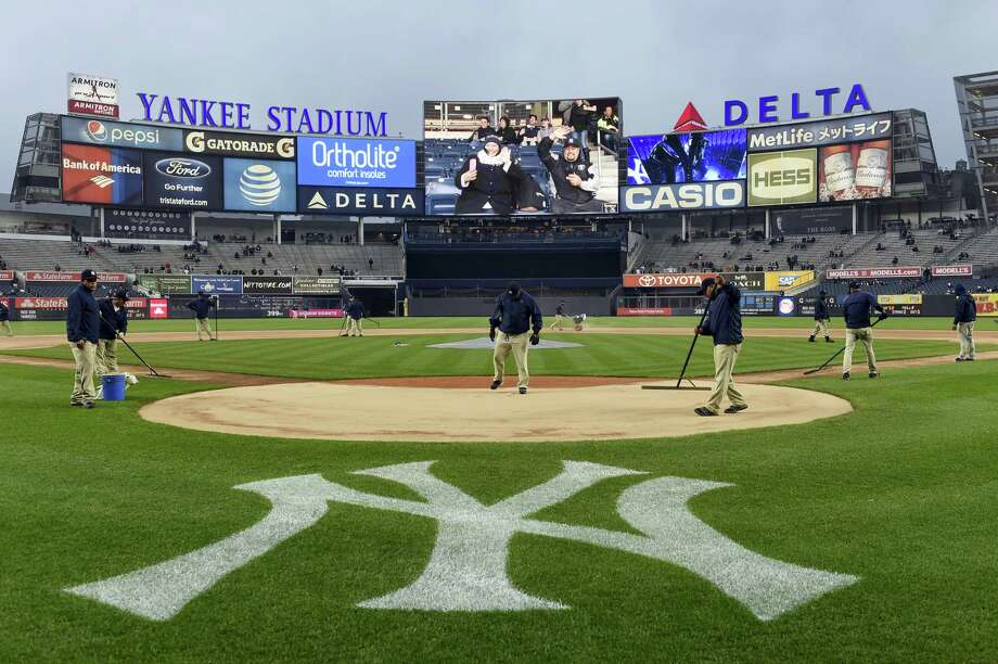 The Yankees and StubHub ended their squabble, announcing a sponsorship agreement Monday that sets an advertising minimum price for resale tickets. Photo: The Associated Press File Photo  / FR170189 AP