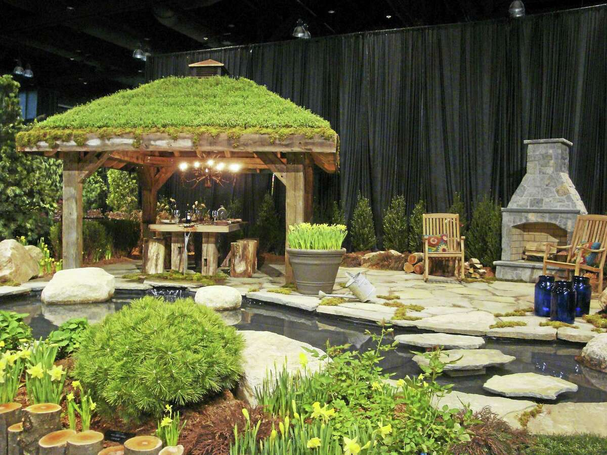 A 2015 Best of Show by Creative Contour Landscape Design of Middletown.