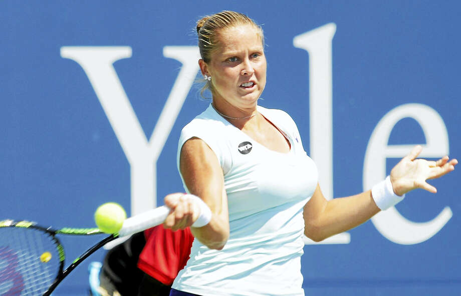 Shelby Rogers returns a forehand at the Connecticut Open in New Haven. Photo: Bob Child — For The Register