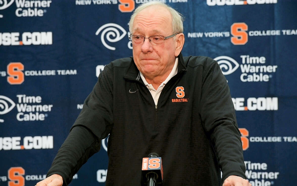 Syracuse coach Jim Boeheim becomes emotional while talking about Pearl Washington at a news conference on Wednesday.