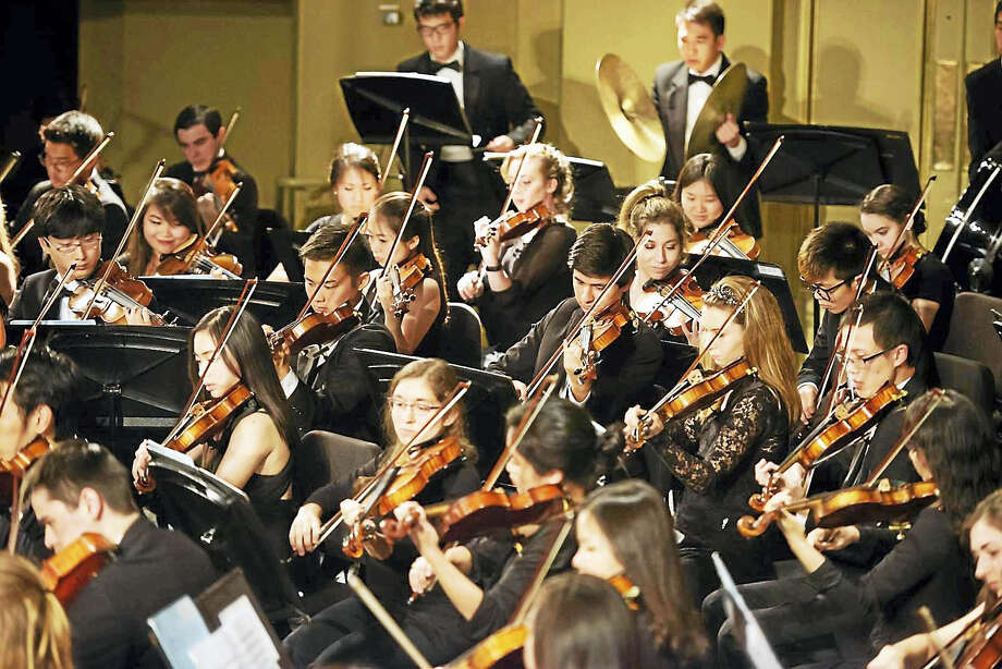 The Yale Symphony Orchestra in its fall concert. Photo: Kenneth Cato — Yale