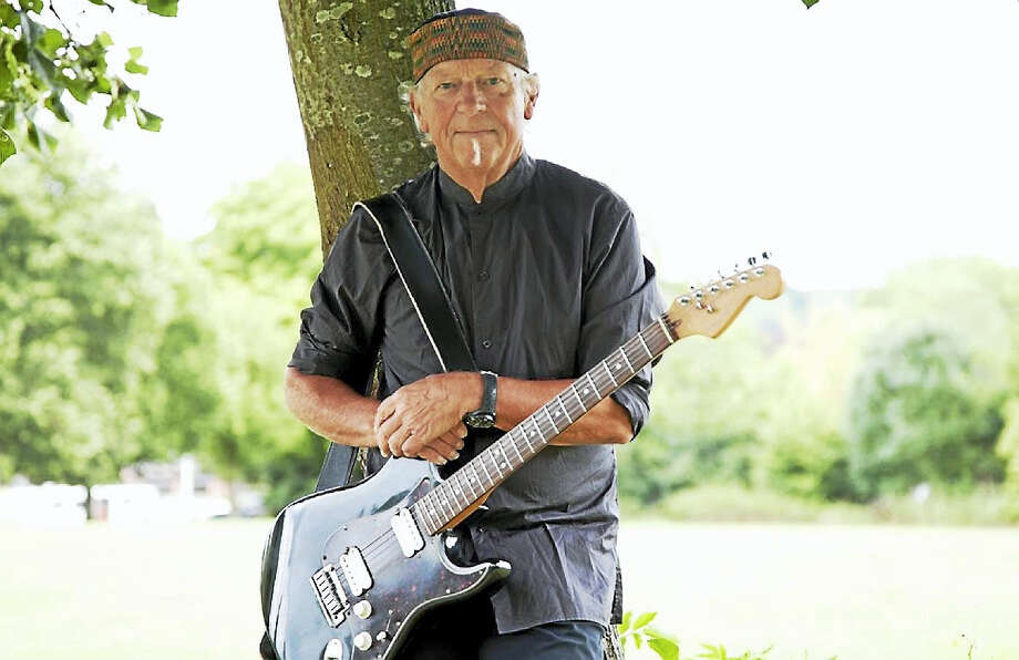 Photo by Martin WebbJethro Tull's legendary guitarist, Martin Webb, performs at Infinity Music Hall Hartford on Thursday, April 21. Photo: Journal Register Co.