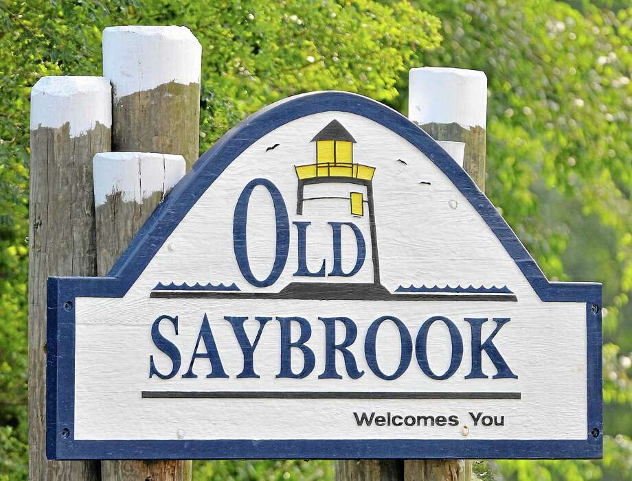 Old Saybrook sign. Catherine Avalone - The Middletown Press Photo: Journal Register Co. / TheMiddletownPress