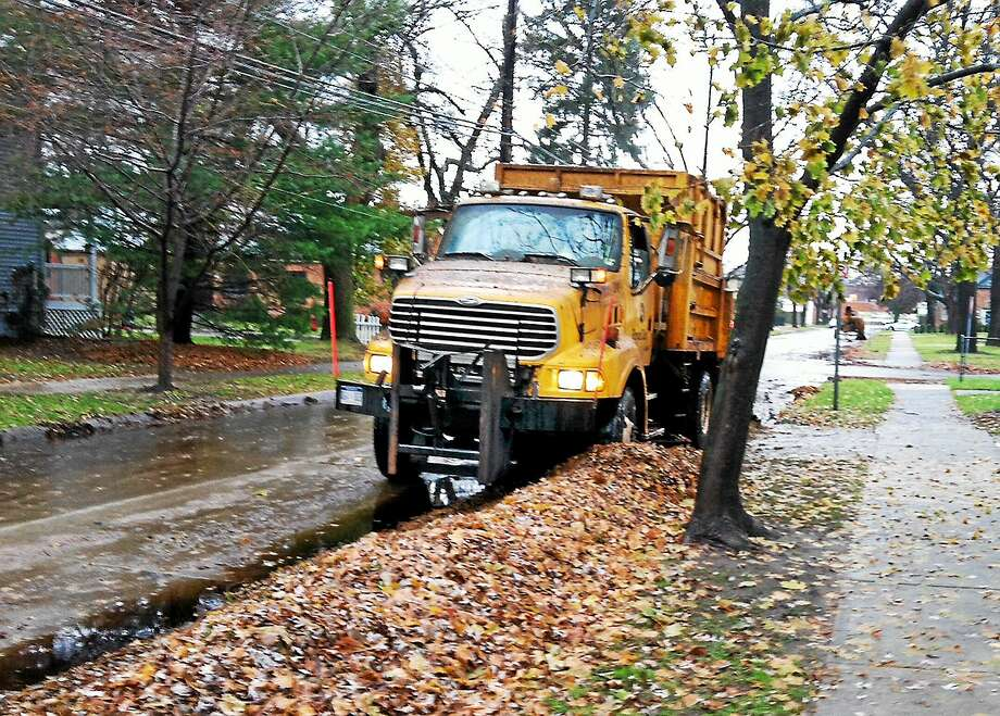 As the peak of fall foliage begins to wane, homeowners in Cromwell are reminded to properly dispose of their fallen leaves. Photo: File Photo