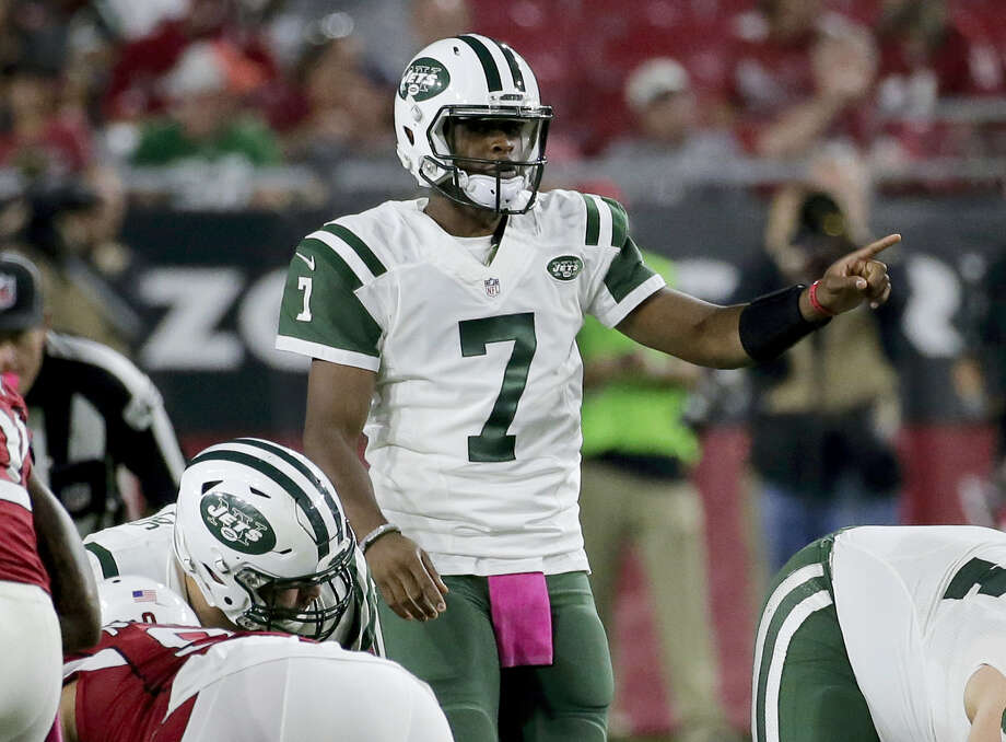 Jets quarterback Geno Smith will get the start on Sunday against the Ravens. Photo: Rick Scuteri — The Associated Press  / FR157181 AP