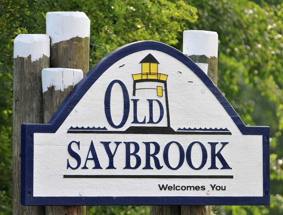 File photo Old Saybrook and Clinton are among 20 Connecticut towns to receive a share of $11 million in state transit grants. Photo: Journal Register Co. / TheMiddletownPress