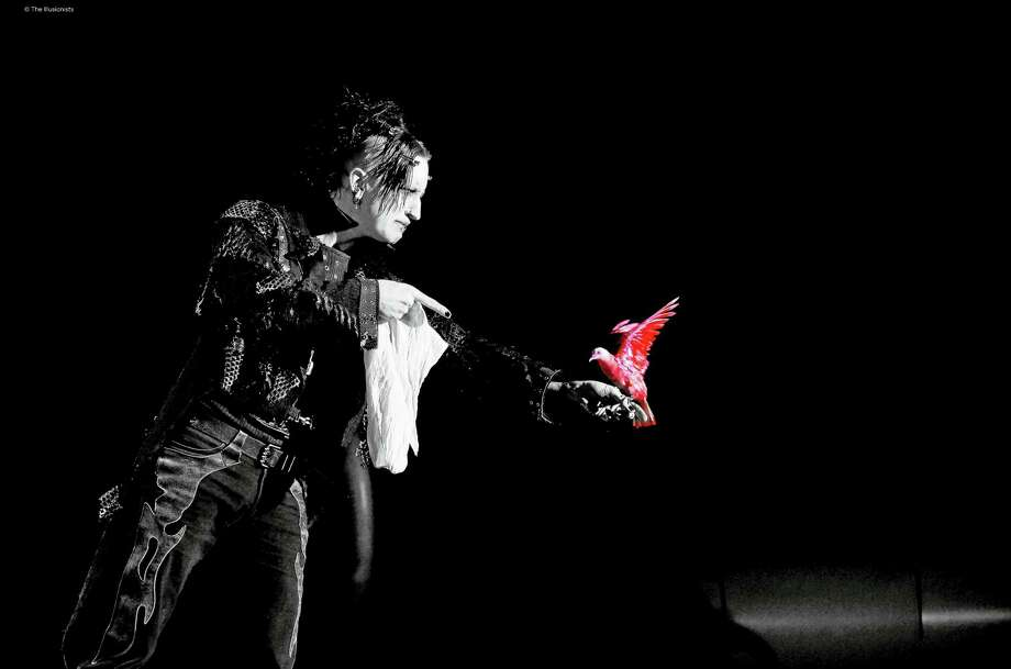 Dan Sperry, The Anti-Conjuror, in action. Photo: Photo Courtesy Of The Illusionists