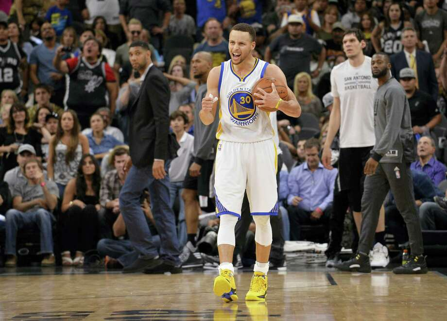 Stephen Curry and the Warriors can set the NBA record for most wins in season with a victory over the Grizzlies on Wednesday. Photo: The Associated Press  / FR115 AP