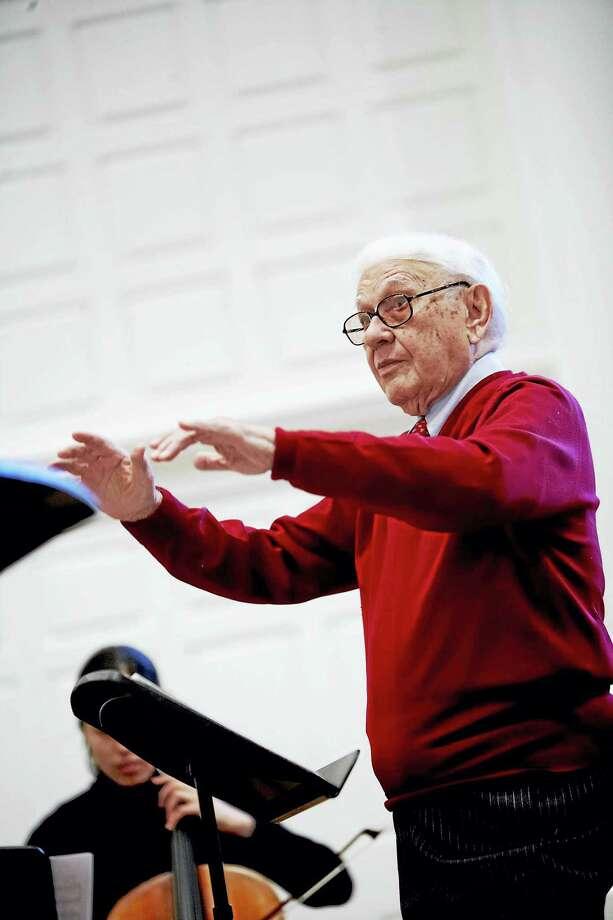 Aldo Parisot conducting. Photo: Photo Courtesy Of Yale  / Copyright Bob Handelman