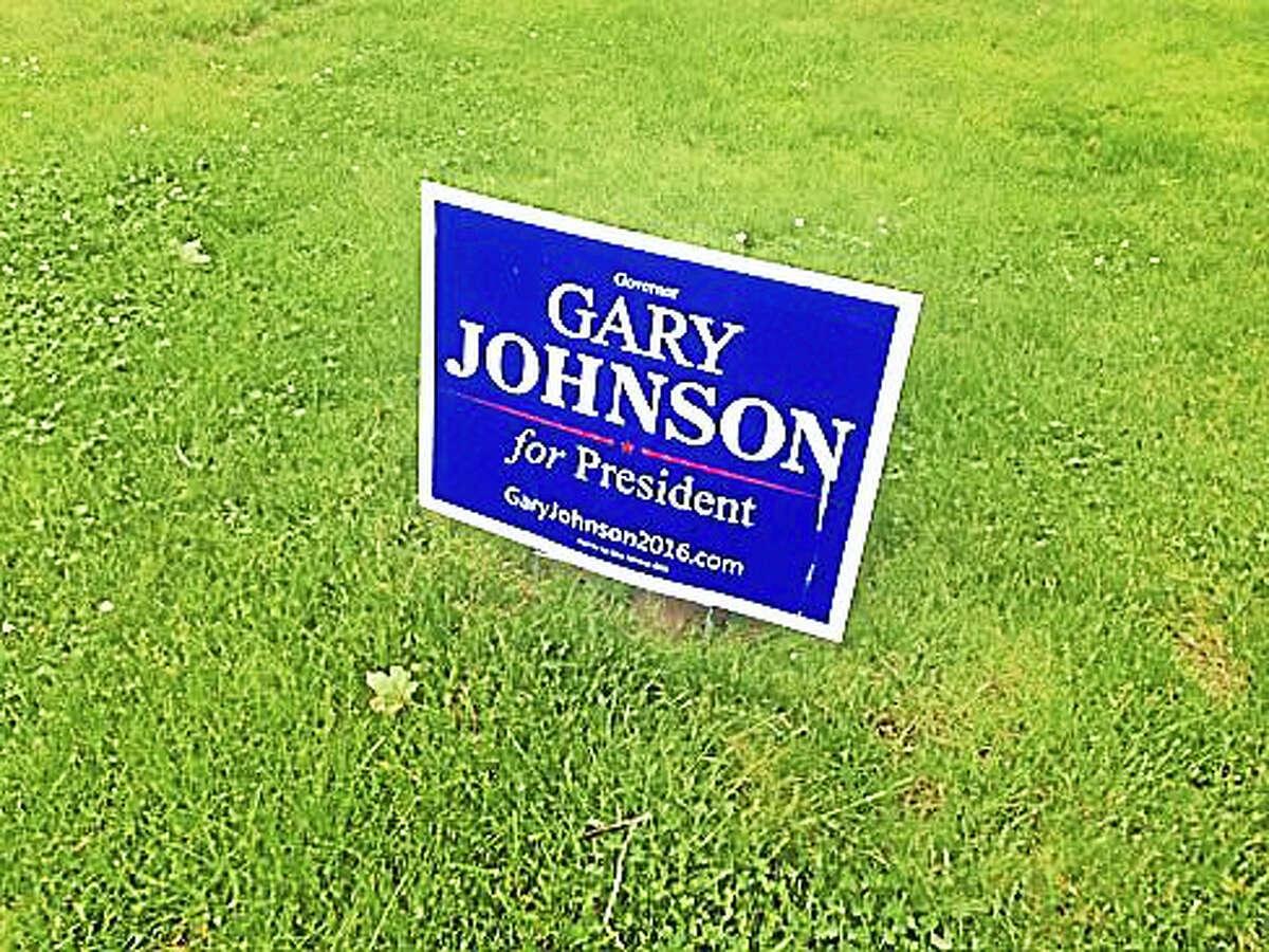 Gary Johnson lawn sign in Branford