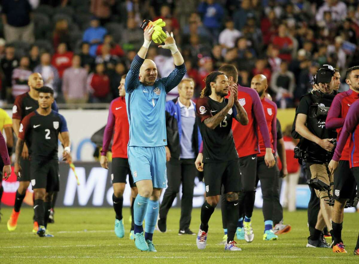 U.S. goalkeeper Brad Guzan (1) celebrates after United States defeated Costa Rica 4-0 on Tuesday.