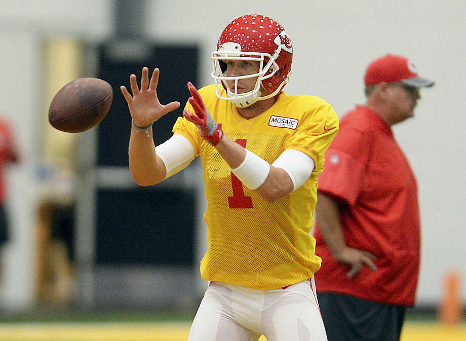 Newly acquired quarterback Nick Foles practices drills during Kansas City Chiefs practice at the Griffon Indoor Sports Complex at Missouri Western State University Friday. Photo: Dougal Brownlie — The St. Joseph News-Press Via AP  / St. Joseph News-Press