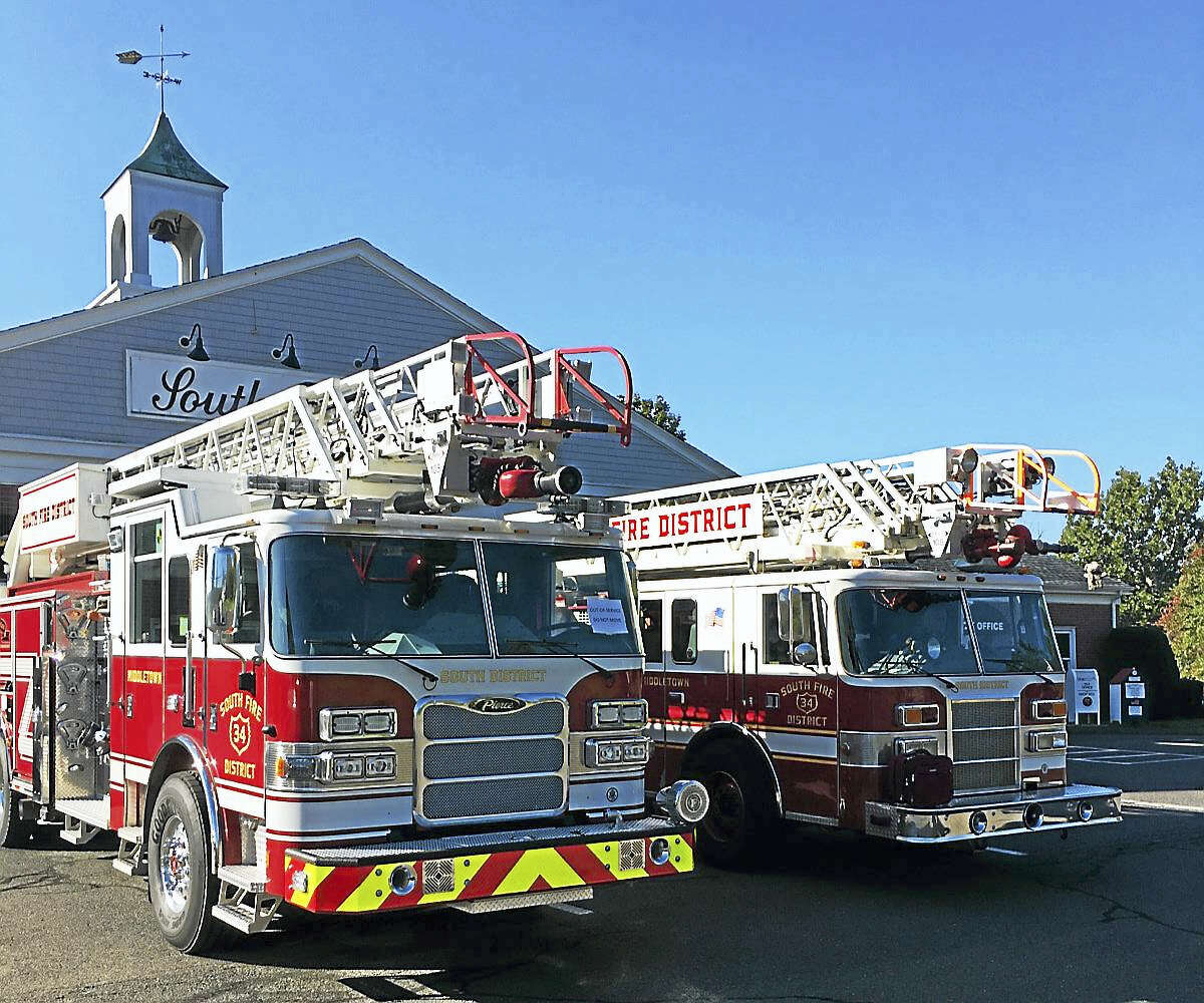 South Fire District in Middletown has just purchased a new quintuple combination pumper, apparatus that serves the dual purpose of an engine and a ladder truck. The name refers to the five functions that a quint provides: pump, water tank, fire hose, aerial device and ground ladder.