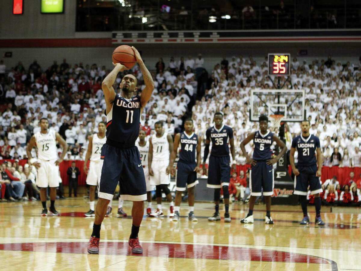 UConn's Ryan Boatright shoots a technical free throw during Thursday's loss at Cincinnati.