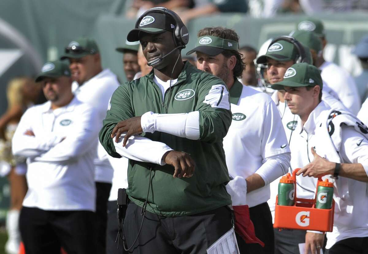 Jets head coach Todd Bowles reacts after a Jets' turnover during the fourth quarter Sunday.