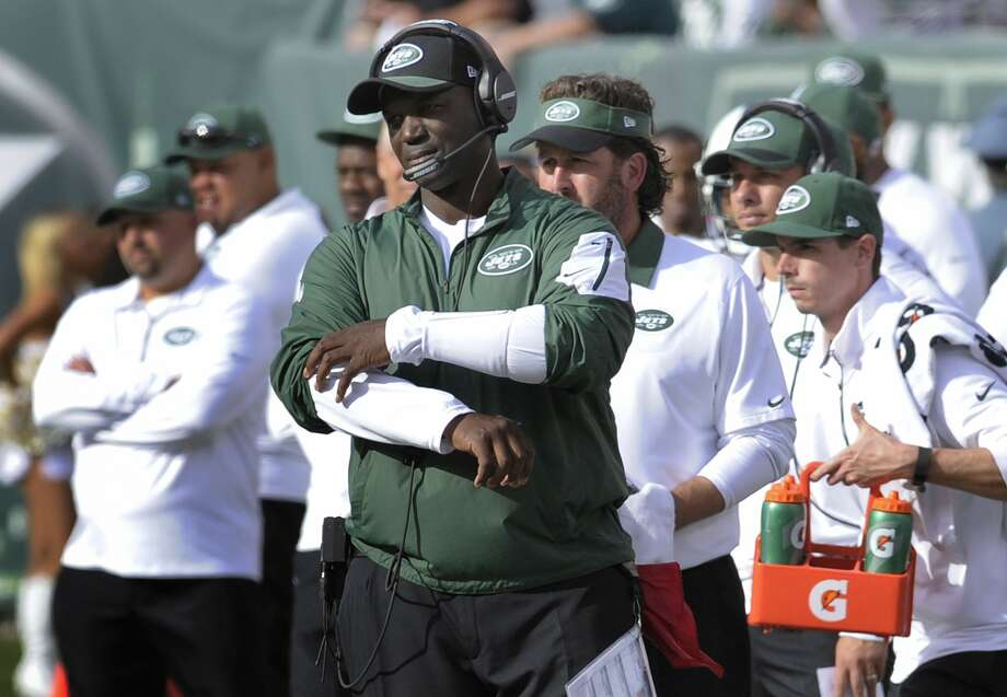 Jets head coach Todd Bowles reacts after a Jets' turnover during the fourth quarter Sunday. Photo: Bill Kostroun — The Associated Press  / FR51951 AP