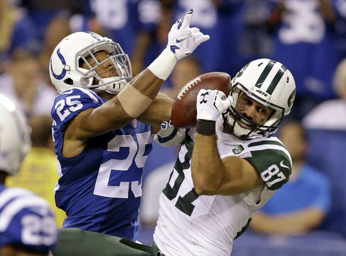 New York Jets wide receiver Eric Decker may sit out Sunday's game against the Eagles.