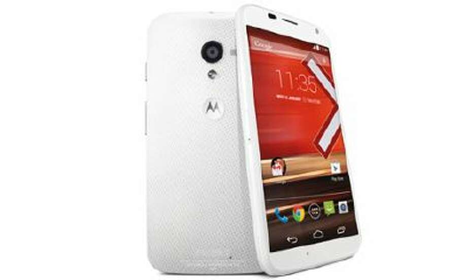 Motorola Moto X review – the Moto X is Motorola's first flagship Google phone bringing touchless always-listening voice control and all-day battery life.