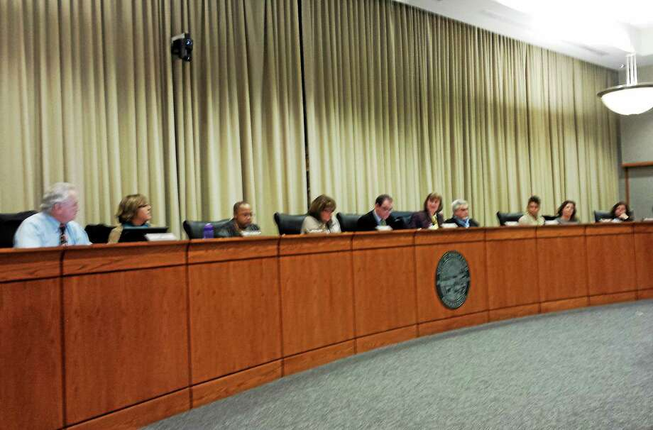 The Middletown schools board met Tuesday evening at council chambers. Photo: Jane Mills — The Middletown Press