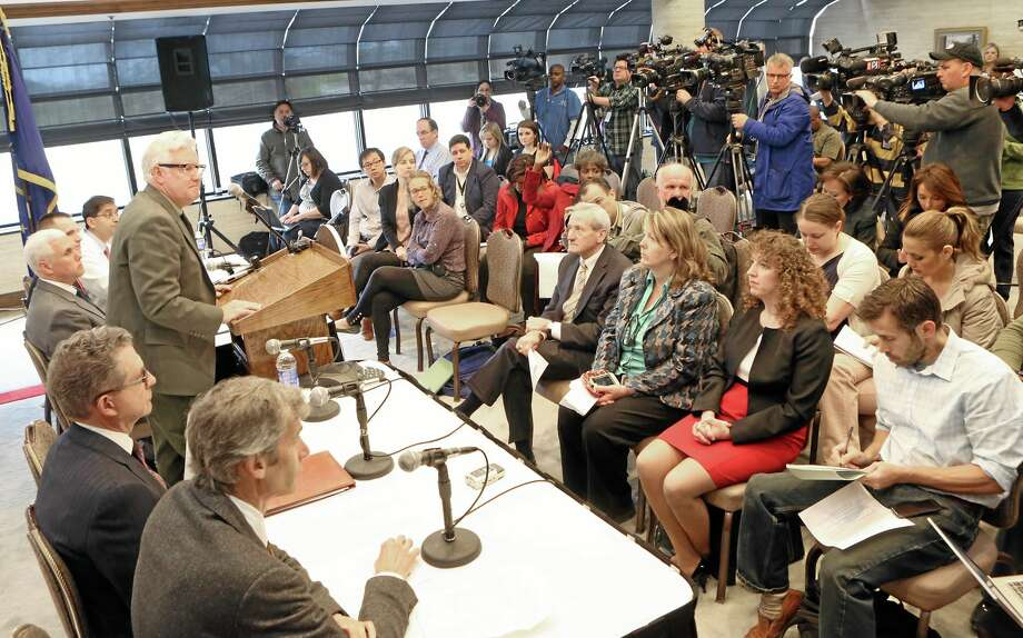 Members of the Community Hospital in Munster, Ind., hold a news conference concerning their recent patient who had contracted MERS in Saudi Arabia, Monday, May 5, 2014. (AP Photo/The Times, John J. Watkins) Photo: AP / The Times