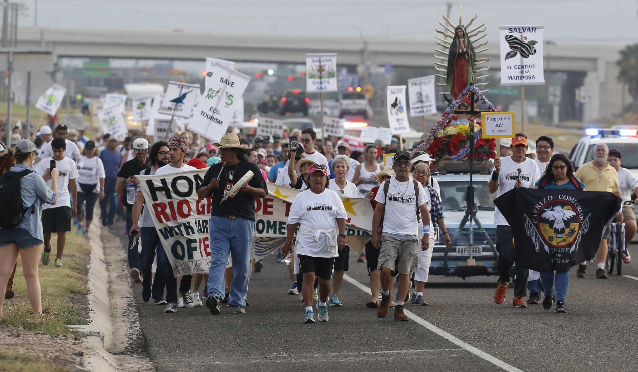 Advocates Stage First Big Texas Protest Against Border