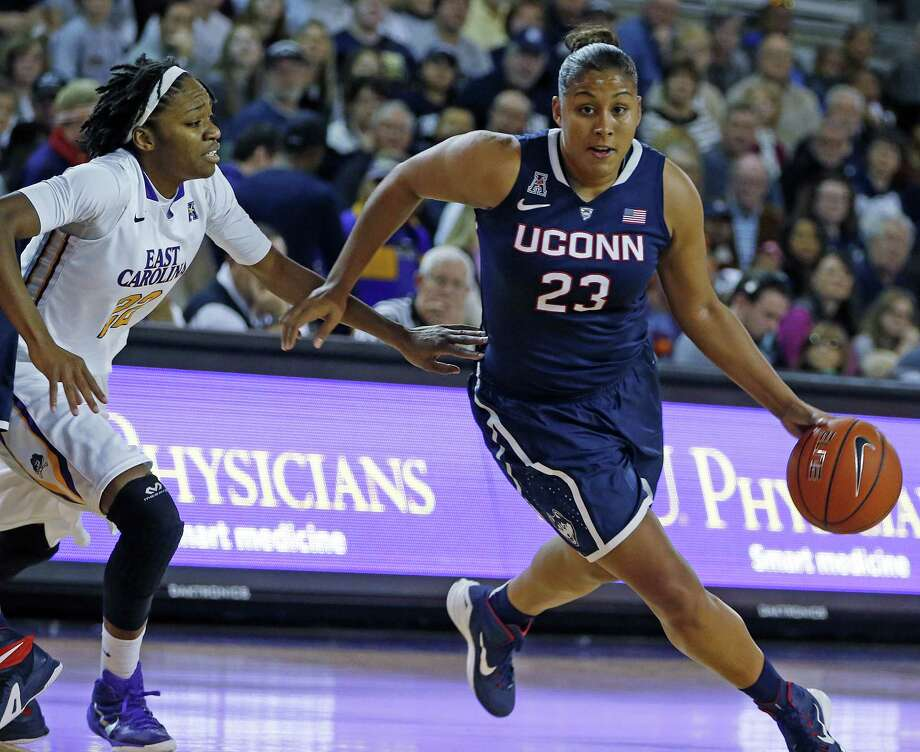 UConn's Kaleena Mosqueda-Lewis needs four 3-pointers to become the all-time long-range queen in Huskies history. Photo: Karl B. DeBlaker — The Associated Press  / FR7226 AP