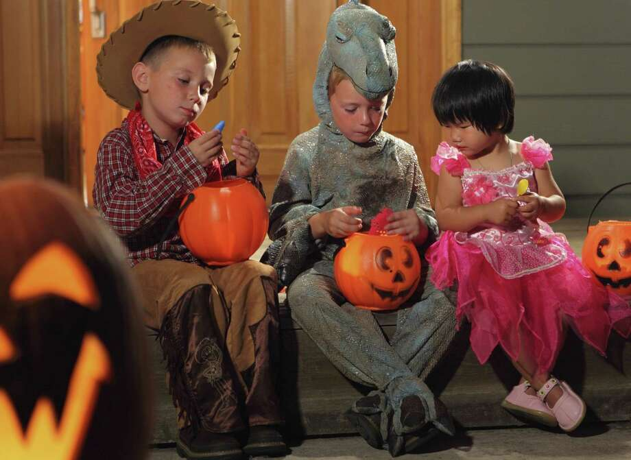 Cromwell police urge parents to make sure their children enjoy a safe Halloween. Photo: File Photo  / iStockphoto